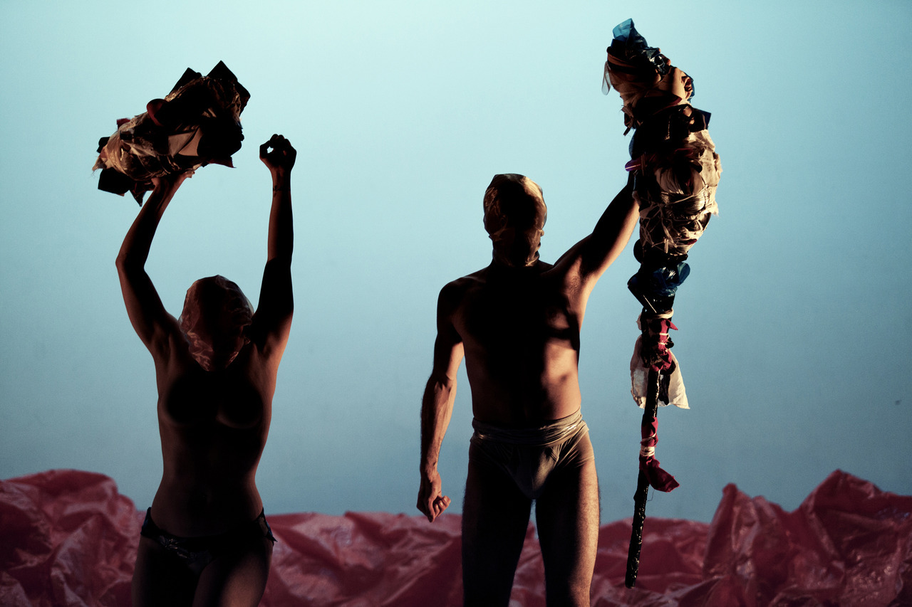 Première: Not On This Earth – bijzondere dansperformance van Keren Rosenberg en Charlie Prince